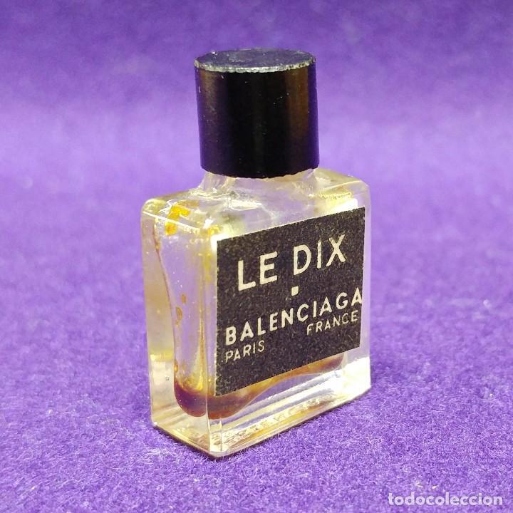 Miniaturas de perfumes antiguos: LE DIX. BALENCIAGA. ANTIGUO FRASCO MINIATURA DE PERFUME. PARIS. FRANCE. AÑOS 50. COLONIA. - Foto 2 - 86732696