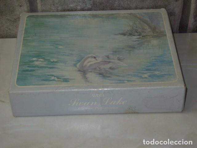 Miniaturas de perfumes antiguos: JABON AVON,CAJA DE JABONES AVON. - Foto 2 - 90619210