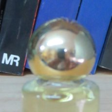 Miniaturas de perfumes antiguos: MINIATURA DE PERFUME LLENA. Lote 90991350