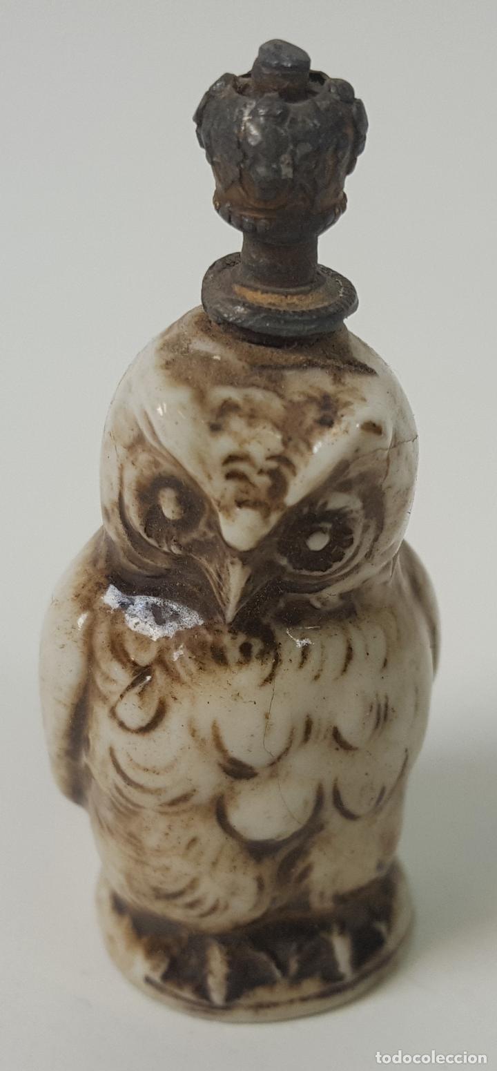 PERFUMERO. BUHO. PORCELANA ESMALTADA. EUROPA. SIGLO XIX (Coleccionismo - Miniaturas de Perfumes)