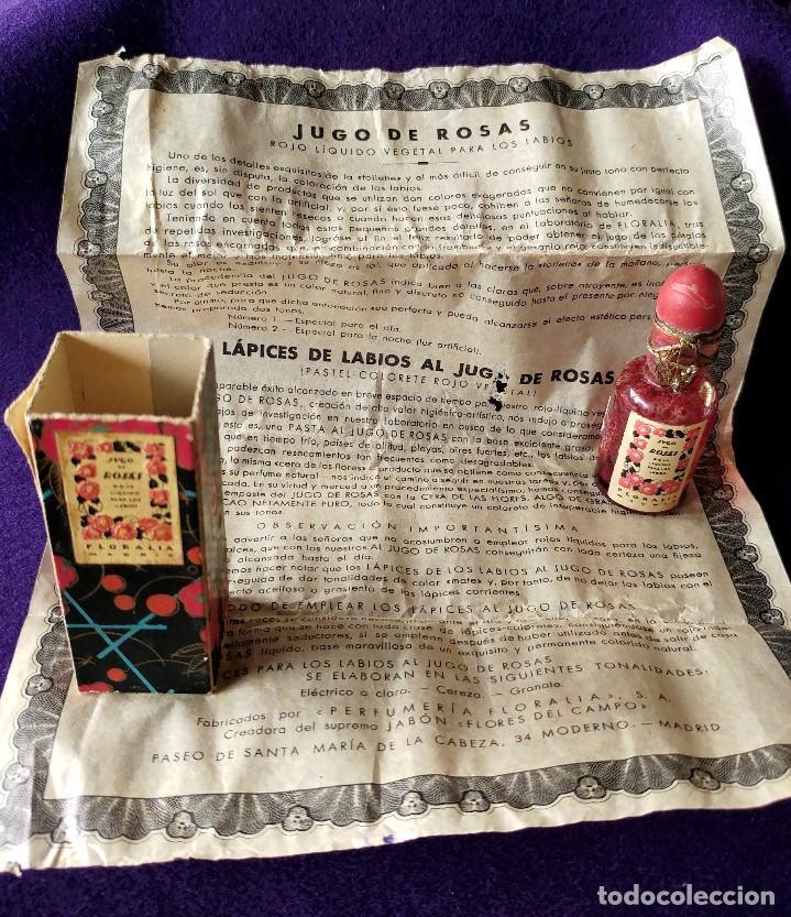 Miniaturas de perfumes antiguos: ANTIGUO Y RARO FRASCO MINIATURA DE PERFUME. JUGO DE ROSAS LIQUIDO. FLORALIA. CON FOLLETO. AÑOS 30 - Foto 3 - 96704335
