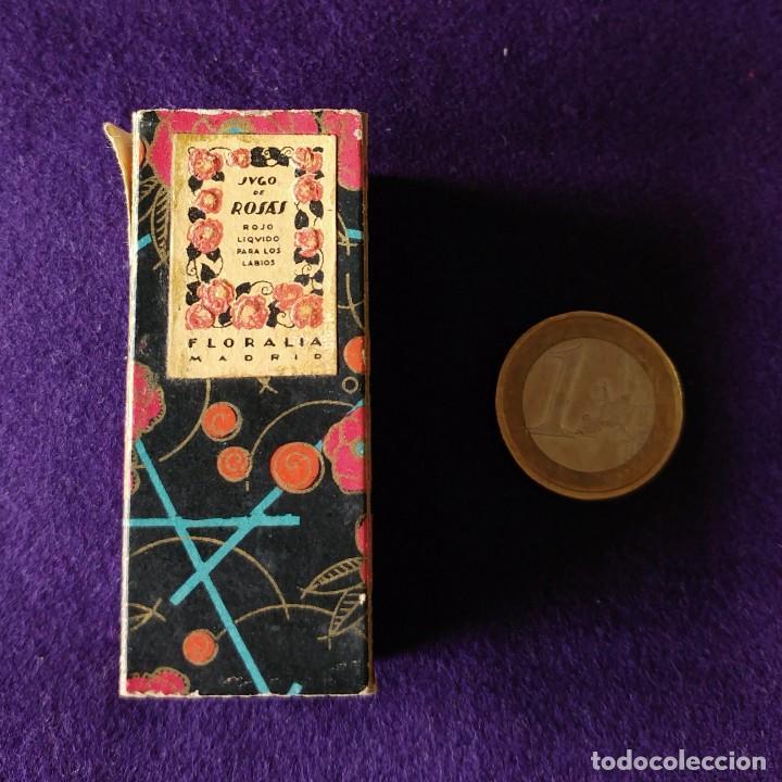 Miniaturas de perfumes antiguos: ANTIGUO Y RARO FRASCO MINIATURA DE PERFUME. JUGO DE ROSAS LIQUIDO. FLORALIA. CON FOLLETO. AÑOS 30 - Foto 7 - 96704335