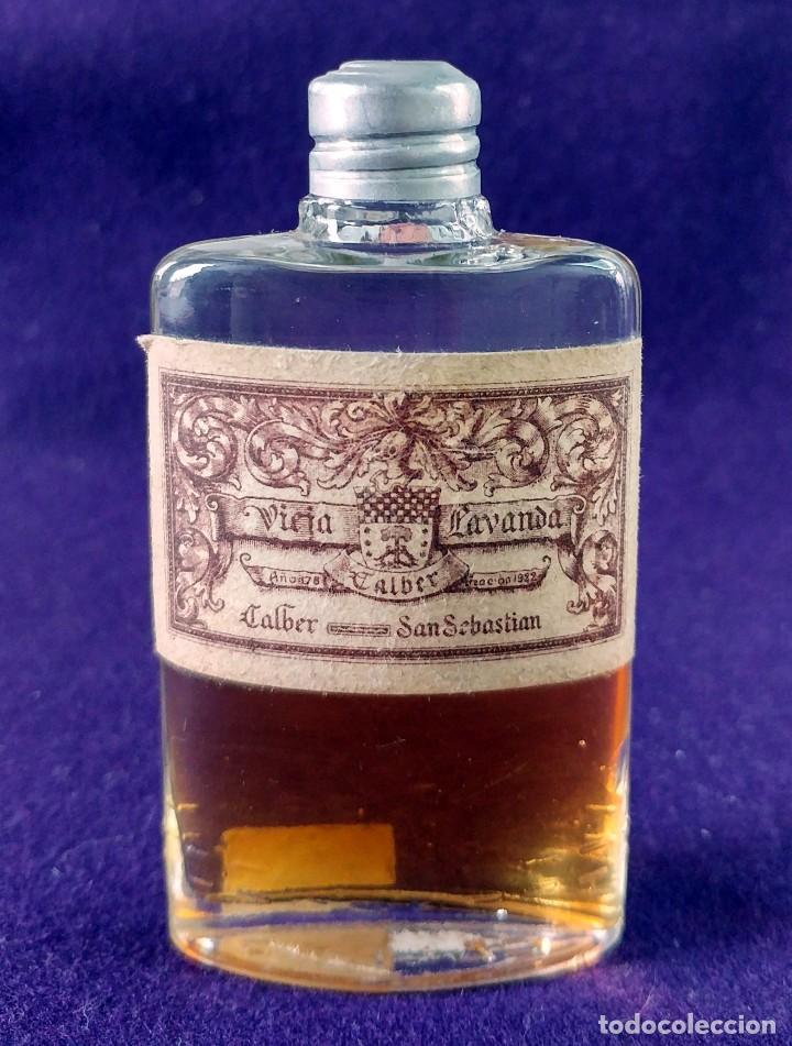 ANTIGUO FRASCO DE PERFUME VIEJA LAVANDA. CALBER. SAN SEBASTIAN. 1922 CREACION. MINIATURA. (Coleccionismo - Miniaturas de Perfumes)