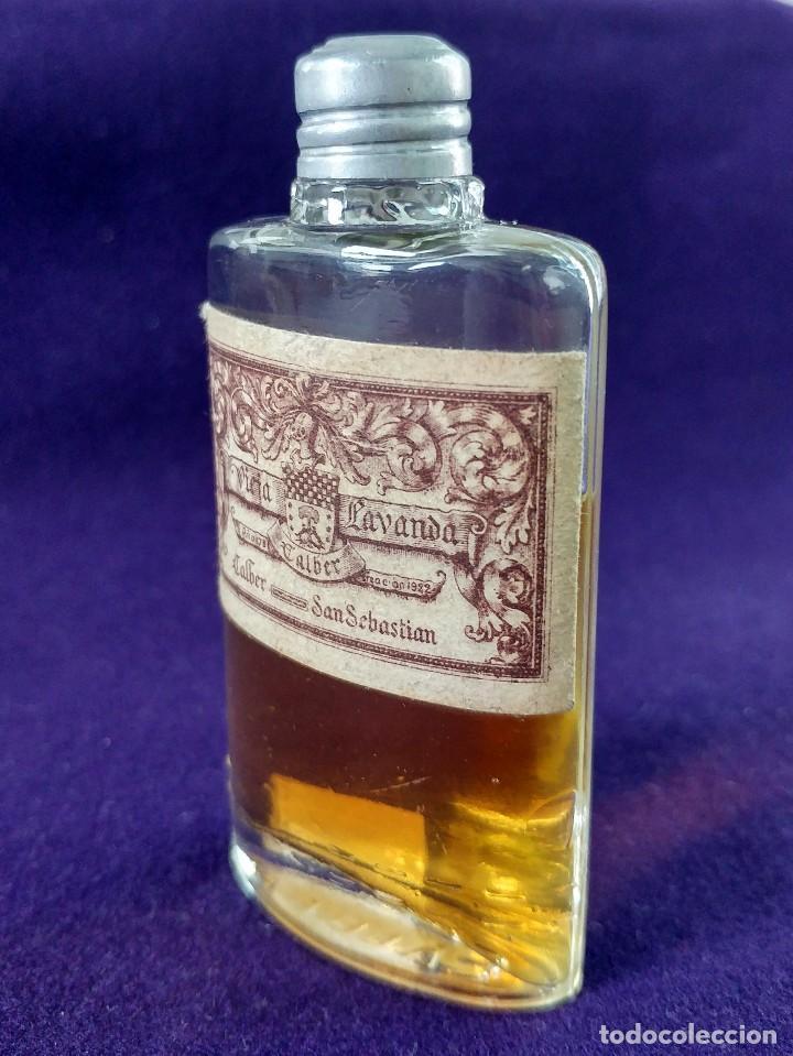 Miniaturas de perfumes antiguos: ANTIGUO FRASCO DE PERFUME VIEJA LAVANDA. CALBER. SAN SEBASTIAN. 1922 CREACION. MINIATURA. - Foto 4 - 99364487