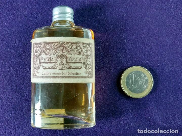 Miniaturas de perfumes antiguos: ANTIGUO FRASCO DE PERFUME VIEJA LAVANDA. CALBER. SAN SEBASTIAN. 1922 CREACION. MINIATURA. - Foto 5 - 99364487