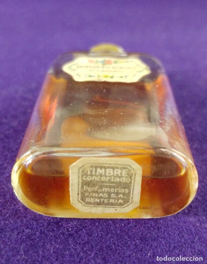 Miniaturas de perfumes antiguos: ANTIGUO FRASCO DE PERFUME QUELQUES FLEURS. HOUBIGANT. FRANCE. AÑO 1913. MINIATURA. - Foto 3 - 99364763