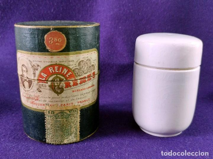 LA REINE DES CREMES. CAJA ORIGINAL Y SU TARRO DE PORCELANA. J.LESQUENDIEU. AÑOS 20. COSMETICA. CREMA (Coleccionismo - Miniaturas de Perfumes)