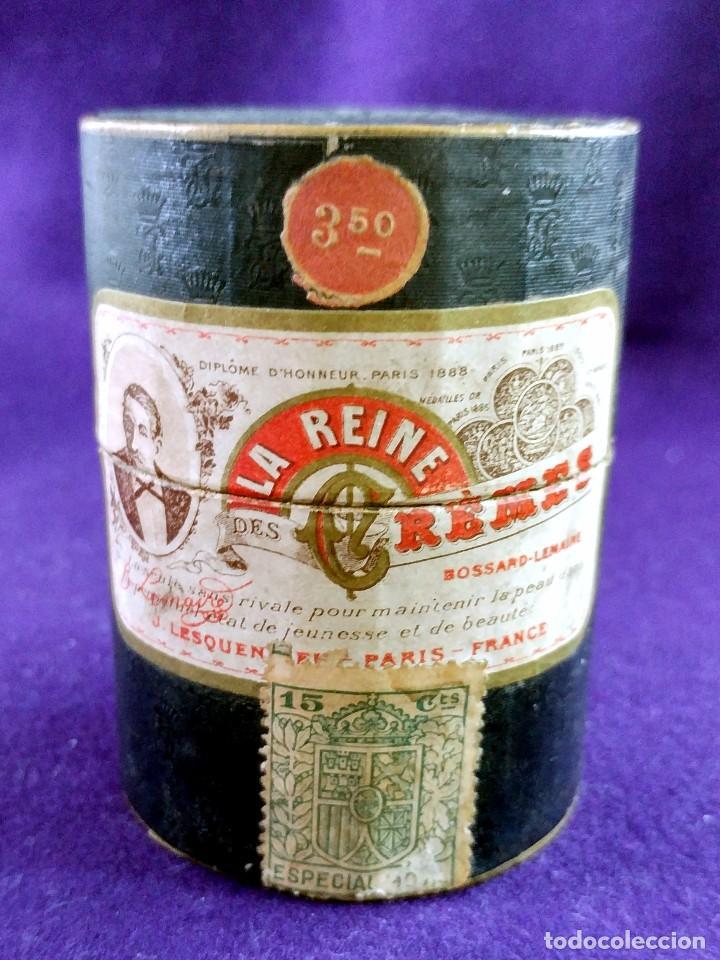 Miniaturas de perfumes antiguos: LA REINE DES CREMES. CAJA ORIGINAL Y SU TARRO DE PORCELANA. J.LESQUENDIEU. AÑOS 20. COSMETICA. CREMA - Foto 2 - 99366955