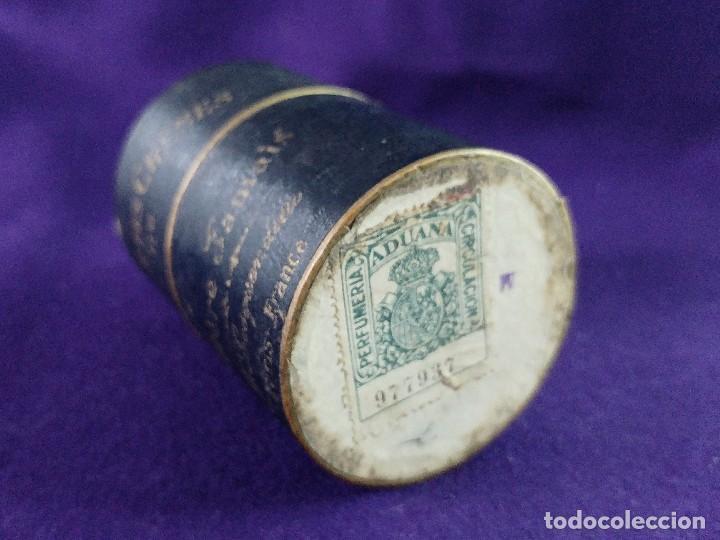 Miniaturas de perfumes antiguos: LA REINE DES CREMES. CAJA ORIGINAL Y SU TARRO DE PORCELANA. J.LESQUENDIEU. AÑOS 20. COSMETICA. CREMA - Foto 4 - 99366955