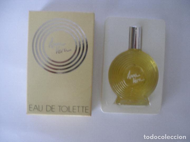 Miniaturas de perfumes antiguos: Eau de toilette Anna Vera en caja años 70 - Barcelona - Sin uso - Foto 2 - 125449235