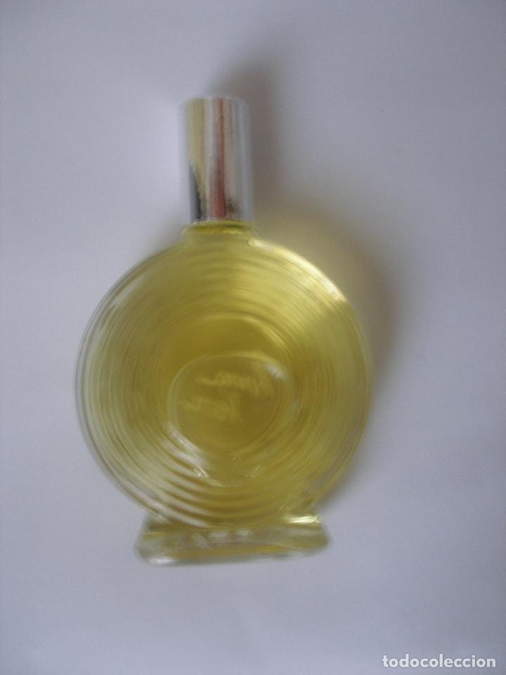 Miniaturas de perfumes antiguos: Eau de toilette Anna Vera en caja años 70 - Barcelona - Sin uso - Foto 3 - 125449235