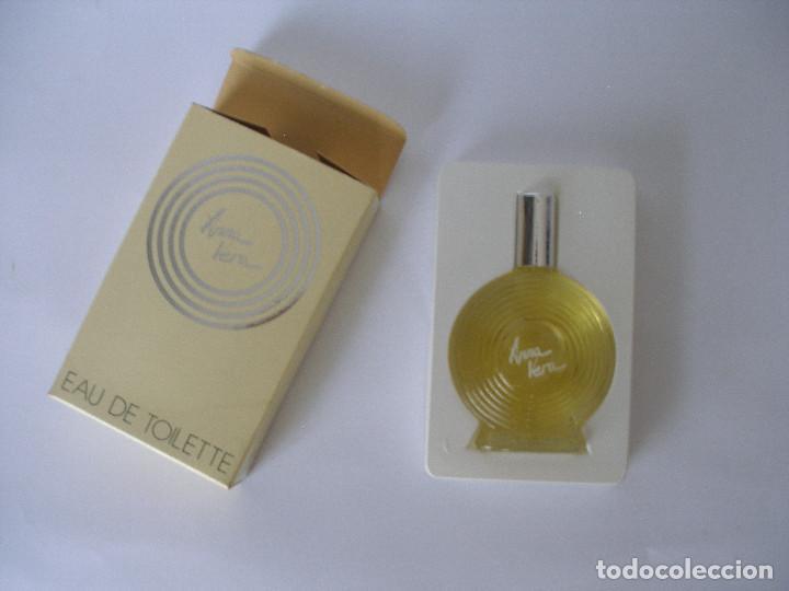 Miniaturas de perfumes antiguos: Eau de toilette Anna Vera en caja años 70 - Barcelona - Sin uso - Foto 4 - 125449235
