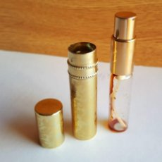 Miniaturas de perfumes antiguos: BONITO PERFUMERO SPRAY BOLSO METAL DORADO CON GRABADOS CLASICOS 9.5 CM. Lote 103842079