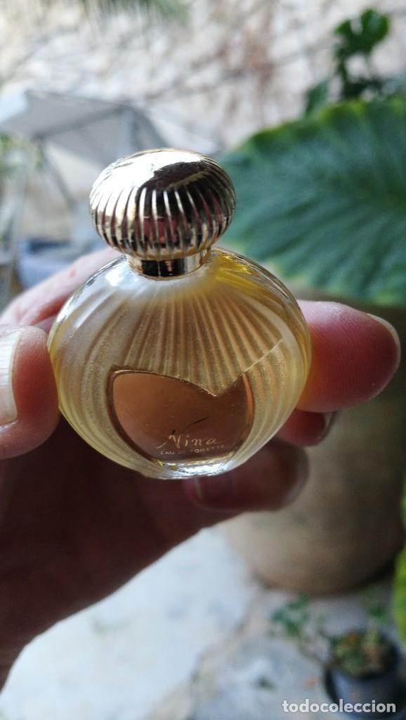 Miniaturas de perfumes antiguos: MUESTRA NINA RICCI. - Foto 3 - 107907295