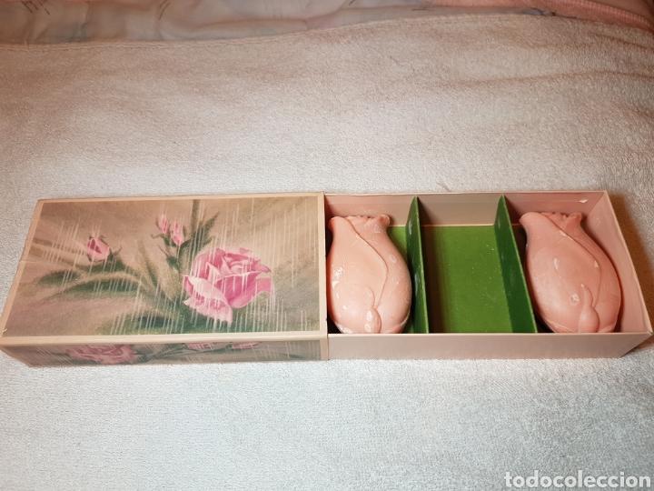 Miniaturas de perfumes antiguos: 3 JABONES PERFUMADOS AVON ANTIGUOS - Foto 3 - 109369664