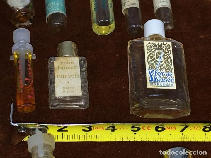 Miniaturas de perfumes antiguos: LOTE DE MINIATURAS DE PERFUME. DIVERSAS MARCAS. EUROPA. CIRCA 1940 - Foto 20 - 112340003