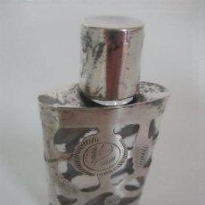 Miniaturas de perfumes antiguos: ANTIGUA BOTELLA MINIATURA - PERFUME - BOTELLITA - ESENCIAS COLONIAS - PLATA CINCELADA. Lote 115174191