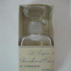 Miniaturas de perfumes antiguos: ANTIGUA BOTELLA - COLONIA, PERFUME - LE PERFUM DU CHEVALIER D´ORSAY, PARÍS - CON CAJA ORIGINAL. Lote 115178743