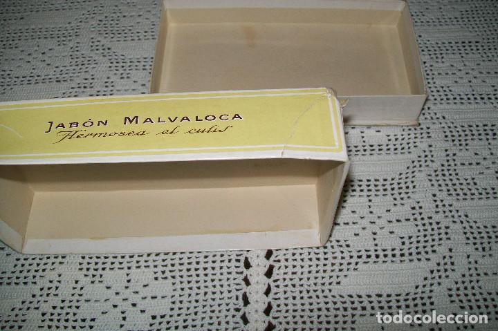 Miniaturas de perfumes antiguos: CAJA DE CARTÓN JABÓN MALVALOCA PERFUMERÍA FLORALIA MADRID - Foto 3 - 115187811