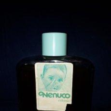 Miniaturas de perfumes antiguos: GRAN FRASCO DE COLONIA NENUCO CASI COMPLETO A LA ETIQUETA SOLO LE FALTA UN TROZO AÑOS 80. Lote 118553940