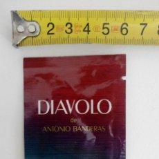 Miniaturas de perfumes antiguos: COLONIA DIAVOLO DE ANTONIO BANDERAS - MUESTRA DE COLONIA SIN ABRIR. Lote 120001783