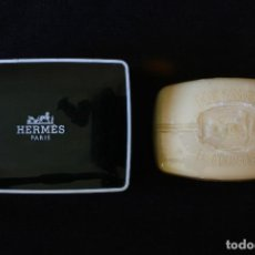 Miniaturas de perfumes antiguos: JABONERA CON PASTILLA DE JABON HERMES PARIS. Lote 120003231
