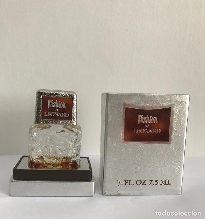 Miniaturas de perfumes antiguos: ANTIGUO FRASCO PERFUME FASHION DE LEONARD - Foto 2 - 120825036