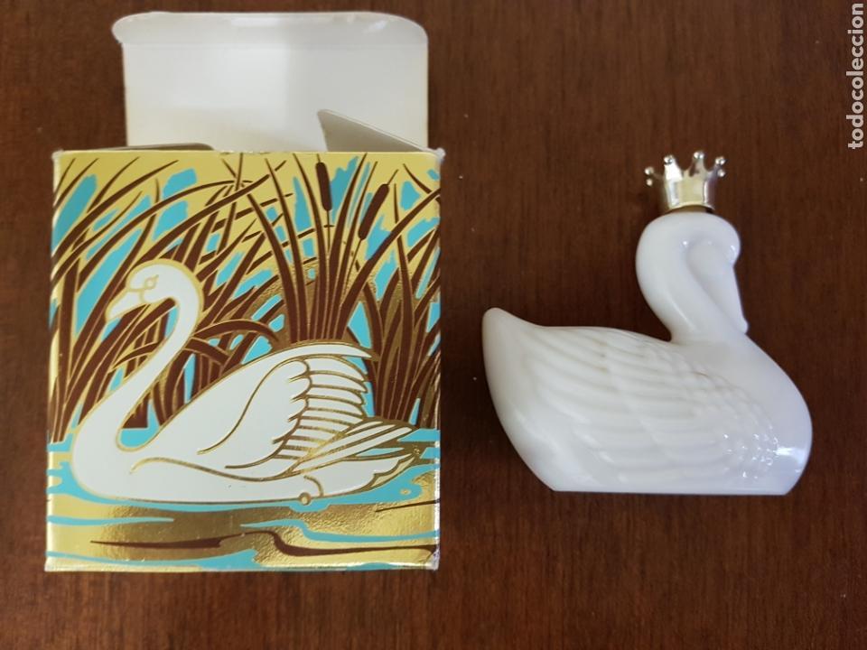 Miniaturas de perfumes antiguos: Antiguo frasco de perfume de Avon - Foto 5 - 121064728