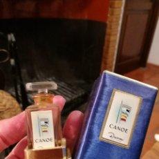 Miniaturas de perfumes antiguos: MINIATURA DE DANA, CANOE SOBRE PEANA, CON CAJA.. Lote 121363703