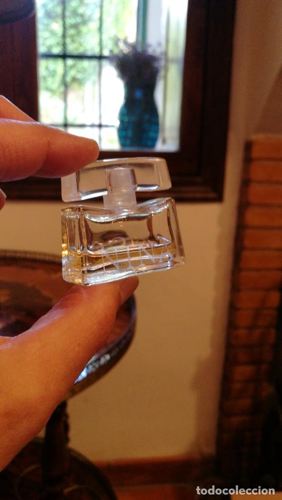 Miniaturas de perfumes antiguos: MINIATURA NINA RICCI. - Foto 2 - 159762302