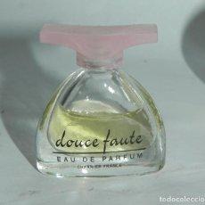 Miniaturas de perfumes antiguos: PERFUME MINIATURA, MINIATURA DE PERFUME DOUCE FAUTE CHARRIER.. Lote 125877531