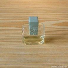 Miniaturas de perfumes antiguos: FRASCO DE COLONIA VERTE PUIG.. Lote 131074132