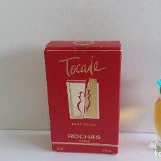 Miniaturas de perfumes antiguos: MINIATURA TOCADE DE ROCHAS- TAPÓN AZUL. Lote 131362310