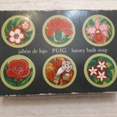 Miniaturas de perfumes antiguos: ANTIGUA CAJA JABÓN DE LUJO PUIG CON 4 JABONES. Lote 134811662