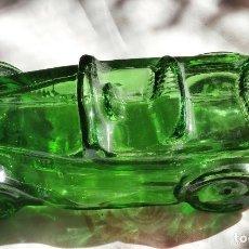 Miniaturas de perfumes antiguos: BOTELLA BOTE FRASCO CRISTAL VERDE DE AVÓN COCHE MAXWELL'23 CLÁSICO ÉPOCA. Lote 205450583