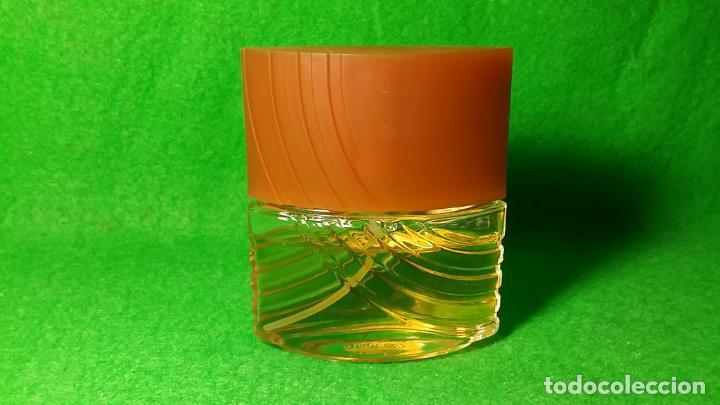 Miniaturas de perfumes antiguos: BOTE DE COLONIA ATOMIZADOR INSTINCT DE AVON 45 C.C - Foto 4 - 136805022
