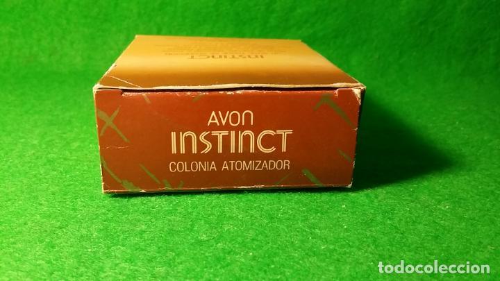 Miniaturas de perfumes antiguos: BOTE DE COLONIA ATOMIZADOR INSTINCT DE AVON 45 C.C - Foto 10 - 136805022