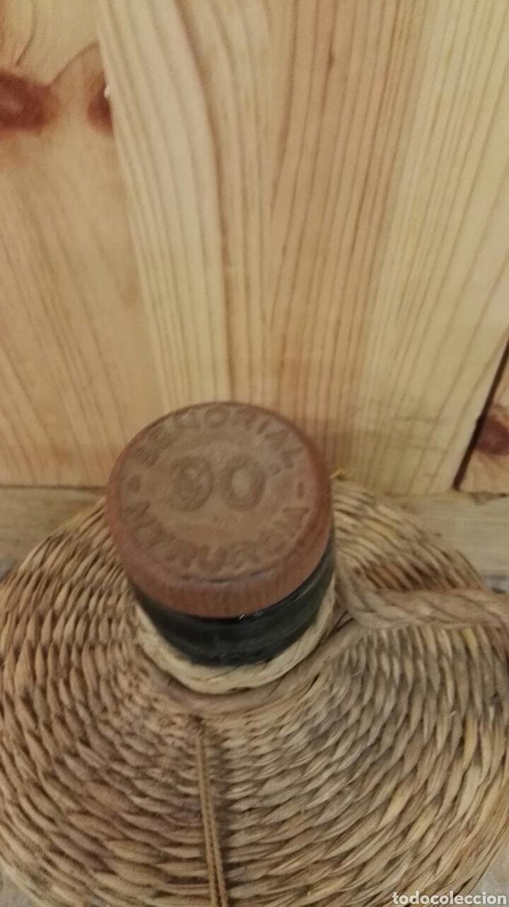 Miniaturas de perfumes antiguos: Antigua botella de Agua de Colonia Señorial de Myrurgia. - Foto 2 - 137236381
