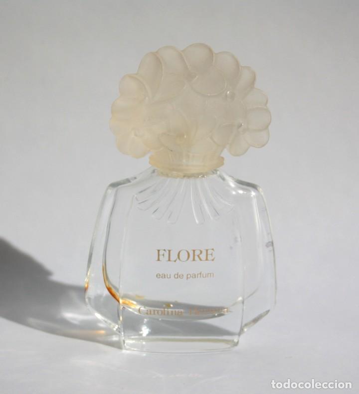 MINIATURA DE PERFUME FLORE DE CAROLINA HERRERA 4ML. 6 CM. VACÍA. (Coleccionismo - Miniaturas de Perfumes)