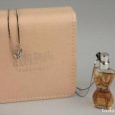Miniaturas de perfumes antiguos: MINIATURA - CADENA COLGANTE JEAN PAUL GAULTIER CLASSIQUE EDP 3,5 ML . Lote 138901898