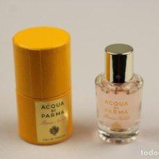 Miniaturas de perfumes antiguos: MINIATURA ACQUA DI PARMA ROSA NOBILE EDP 5 ML . Lote 138904322