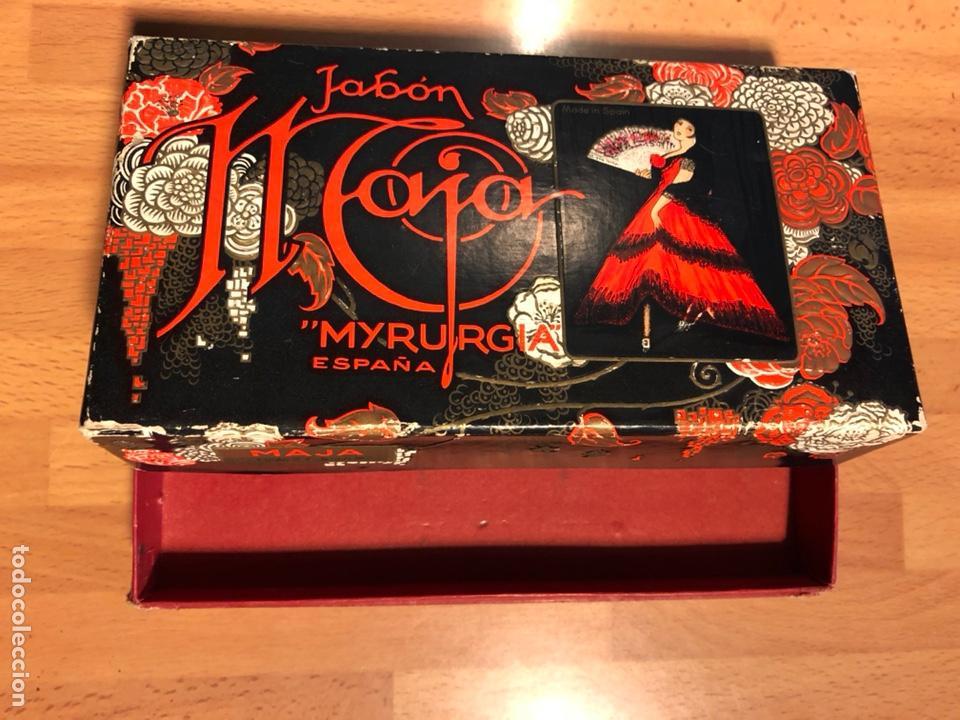 Miniaturas de perfumes antiguos: Antigua caja jabón maja de myrurgia españa - Foto 4 - 138928868