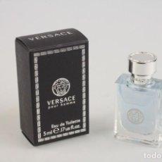 Miniaturas de perfumes antiguos: MINIATURA G. VERSACE POUR HOMME EDT 5 ML. Lote 140545270