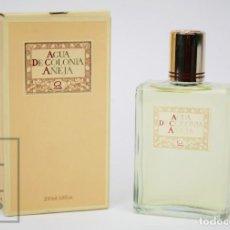 Miniaturas de perfumes antiguos: FRASCO DE COLONIA / PERFUME LLENO - AGUA DE COLONIA AÑEJA - 200 ML - PERFUMERÍA GAL, MADRID. Lote 267021004