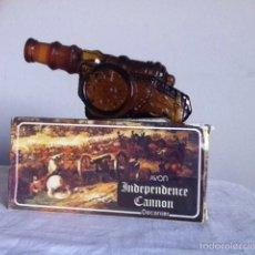 Miniaturas de perfumes antiguos: AVON. CAÑÓN INDEPENDENCIA. LLENO Y EN SU CAJA. Lote 148183233