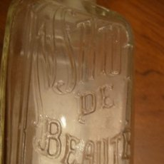 Miniaturas de perfumes antiguos: INSTITUT DE BEAUTE- 26 PLACE VENDOME - PARIS - BOTELLA ANTIGUA RFELIEVES. 11,5X5 CMS. SIN TAPON. Lote 150300234