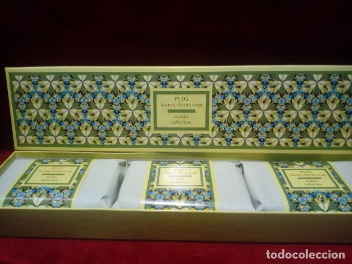 CAJA DE TRES JABONES PUIG . FLORES DE VERANO -AÑOS 70 - NUEVOS SIN ABRIR (Coleccionismo - Miniaturas de Perfumes)