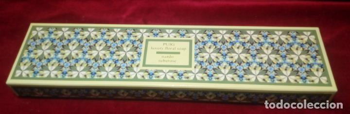 Miniaturas de perfumes antiguos: CAJA DE TRES JABONES PUIG . FLORES DE VERANO -AÑOS 70 - NUEVOS SIN ABRIR - Foto 3 - 151254734