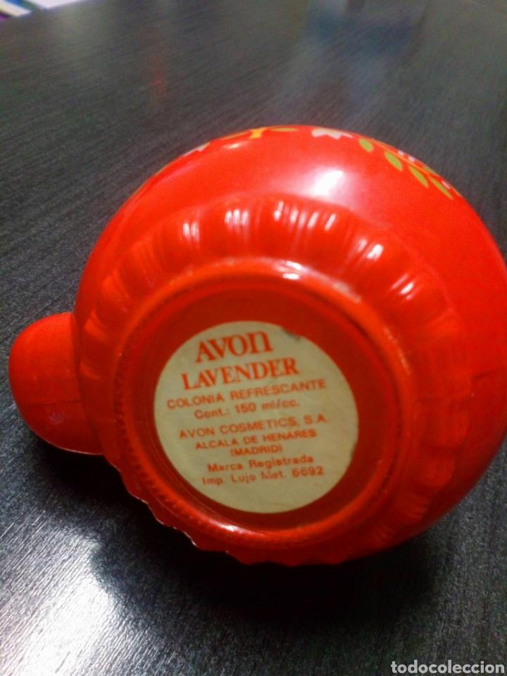 Miniaturas de perfumes antiguos: FRASCO TETERA DE CRISTAL COLONIA AVON LAVENDER AÑOS 60 - 70 TIENE SU COLONIA - Foto 3 - 151721378