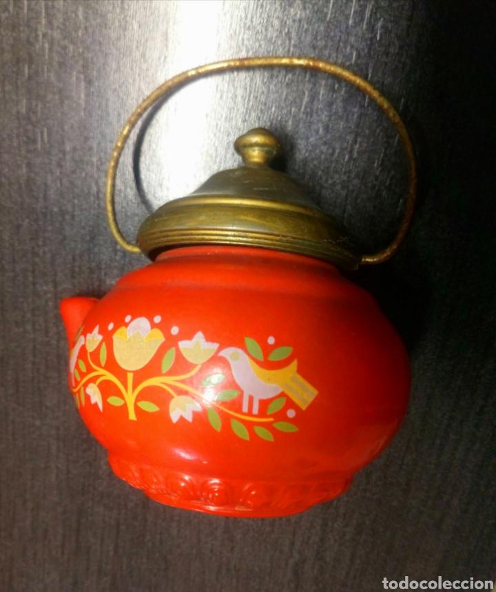 Miniaturas de perfumes antiguos: FRASCO TETERA DE CRISTAL COLONIA AVON LAVENDER AÑOS 60 - 70 TIENE SU COLONIA - Foto 5 - 151721378